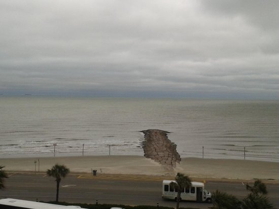 Holiday Inn Resort Galveston-On The Beach : View from the rooms
