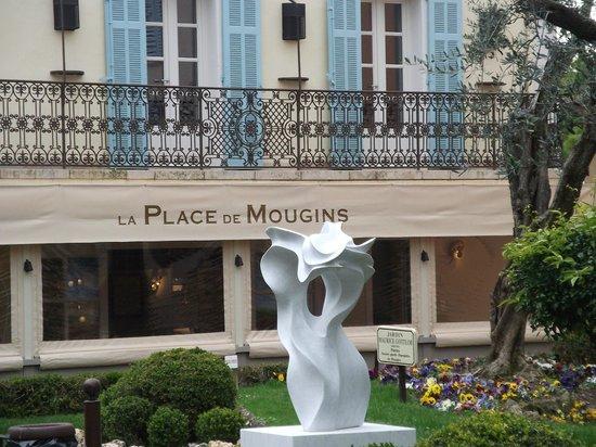 La Place de Mougins from the square.