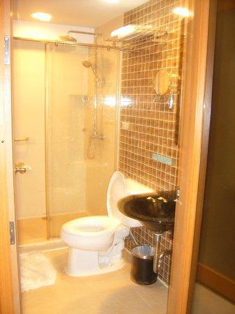 Smart Suites : bathroom