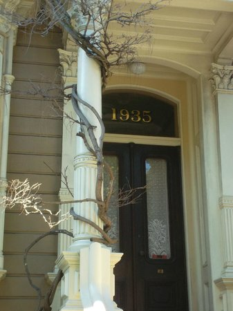 Victorian Home Walk: Дверь