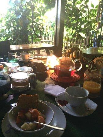 Secret Garden Iguazu B&B: fresh breakfast.