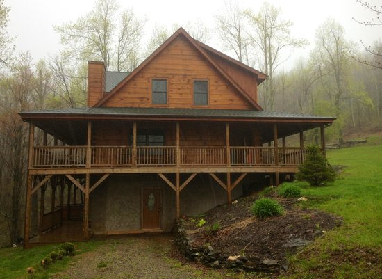 Parkway Cabins: Mountaineer Cabin