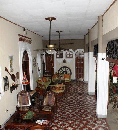 Hotel Los Balcones De Leon : Un des patios