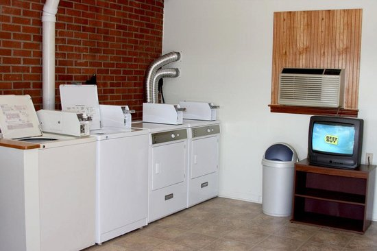 Towne Motel : On-site laundromat