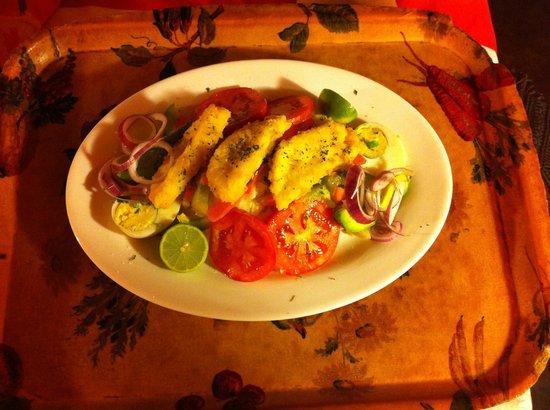 Hospedaje Ecológico Las Terrazas de Punta Sal: Ensalada de queso y huevo, la mejor que he probado!