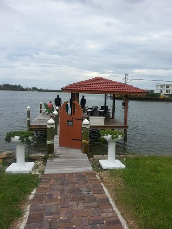 Black Dolphin Inn: The private dock.