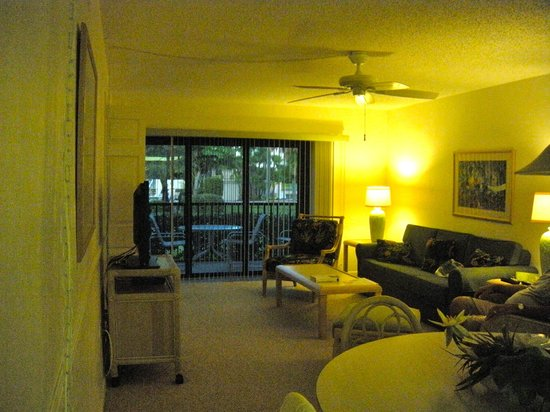 Sanibel Beach Club: View from living area out to lanai/large screened porch
