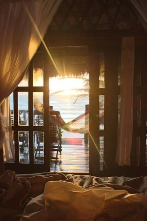 Azucar Hotel : sunrise from bed