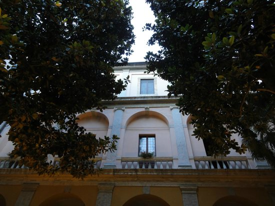 Palazzo Cardinal Cesi: Pic of nun/priest living area from the garden
