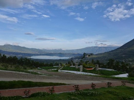 My SachaJi Wellness Hotel : view of Lago San Pablo from terrace