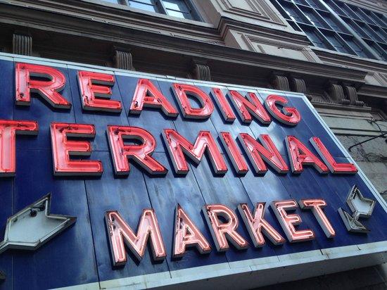 entrée du reading terminal market
