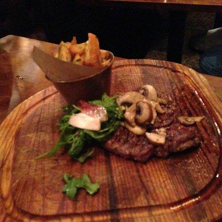 Jamie's Italian: Rib eye steak