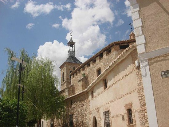 Iglesia Parroquial de Santiago Apóstol: Iglesia