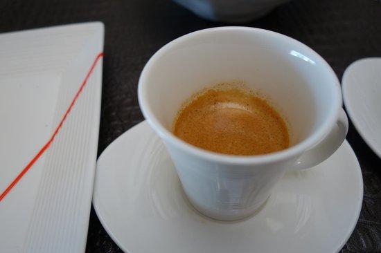 Эспрессо в лобби Hues Boutique Hotel