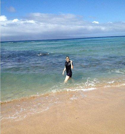 Lokelani Condominiums: Snorkeling on the Lokelani Condo beach