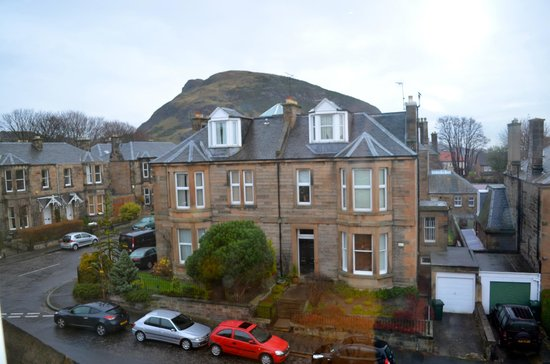 Hotel Ceilidh-Donia: View from Room 13 (King Arthur's Seat)