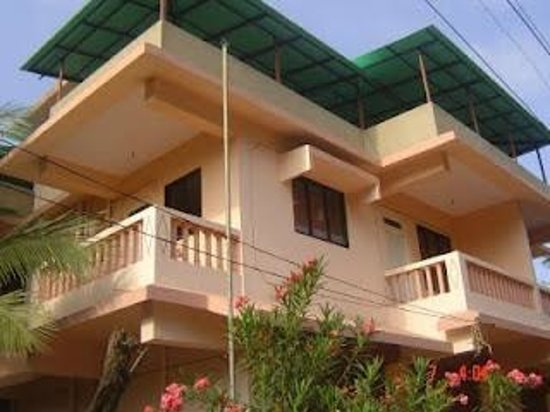 Ashirwaad Holiday Apartments: View from outside