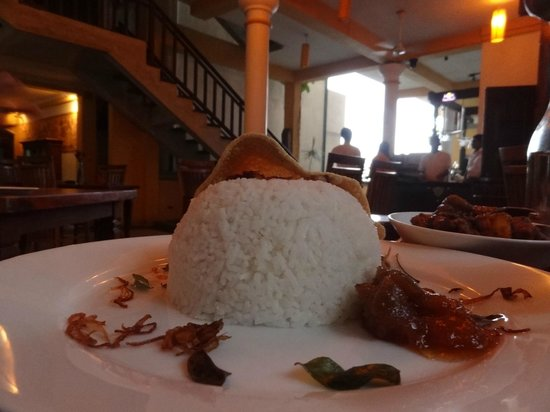 Thaproban Beach House : curry and rice