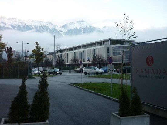 Ramada Innsbruck Tivoli : Alps View