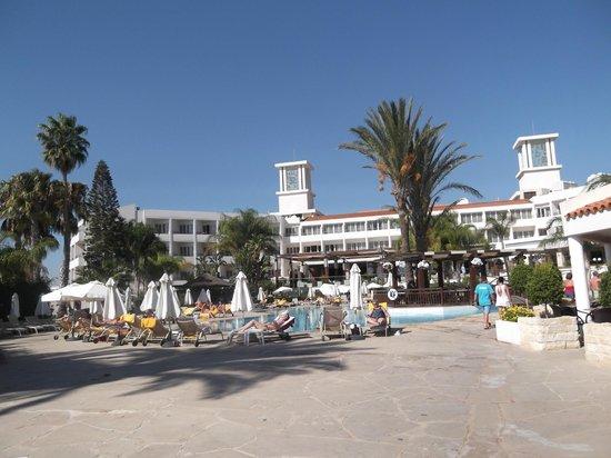 Olympic Lagoon Resort: main pool