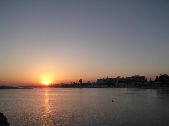Olympic Lagoon Resort: nissi beach