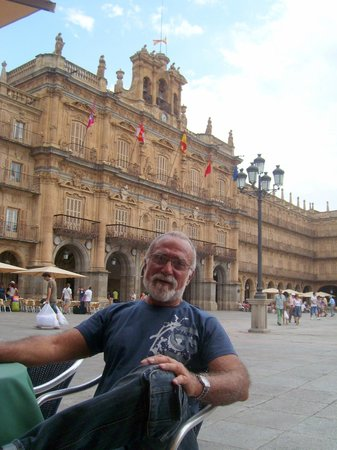 Salamanca's Plaza Mayor: TOMANDO UNA CERVEZA EN PLAZA MAYOR