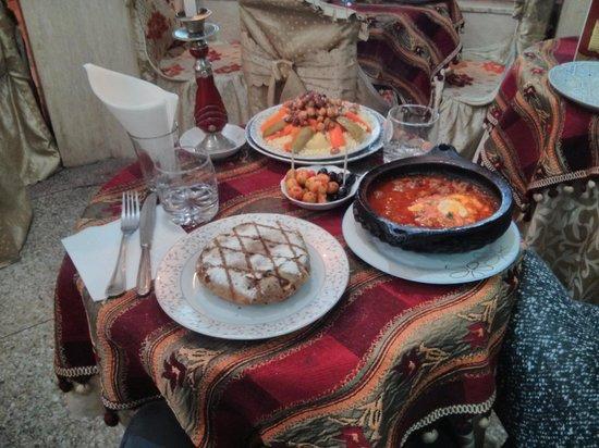 Restaurant Fassi: Pastilla, couscous e tajine.
