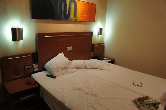 Hotel Garbi Millenni : Quarto