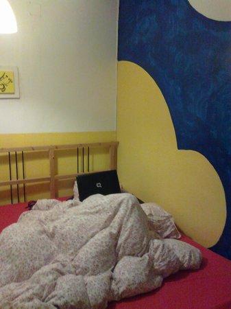 Sevilla Inn Backpackers: Habitación cama doble