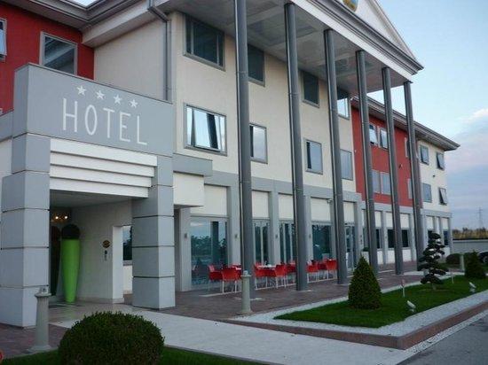Hotel Poppi: Hotel
