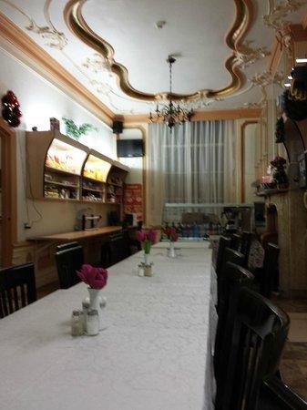 Hotel Vijaya: Comedor