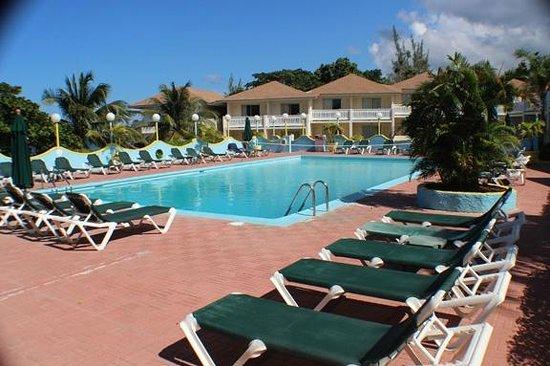 Club Ambiance: pool