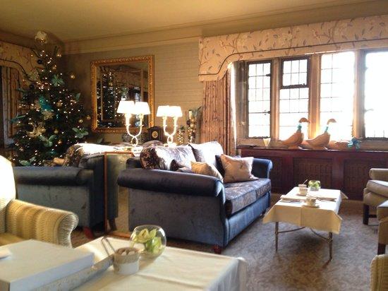 Mallory Court Hotel: Low December sun