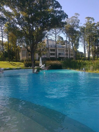 Green Park: disfrutando de la piscina exterior