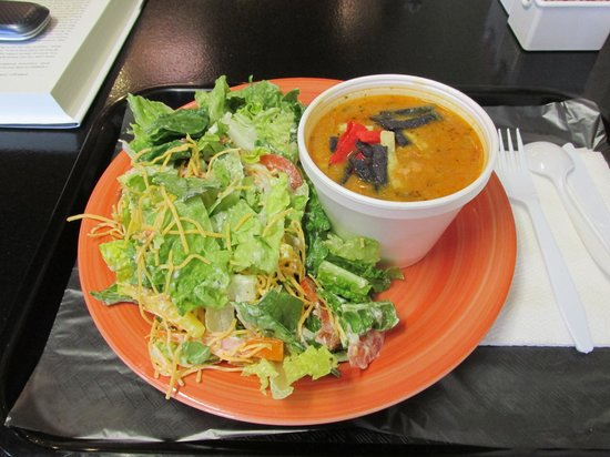 Cupcake Time Cafe' : BLT Salad n Chicken Tortilla Soup