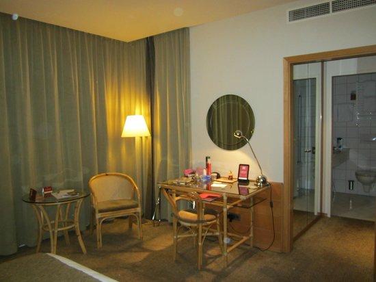 K+K Hotel Fenix: room 414