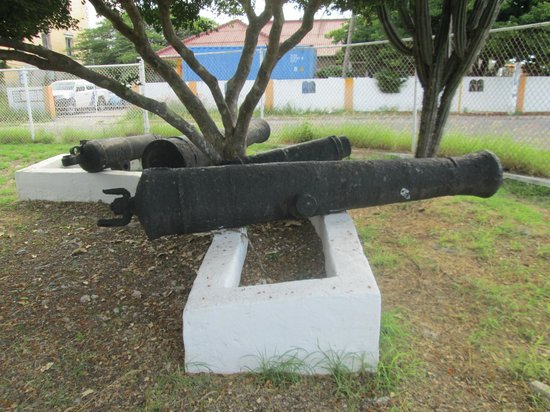 Curacao Museum: taken on grounds outside museum