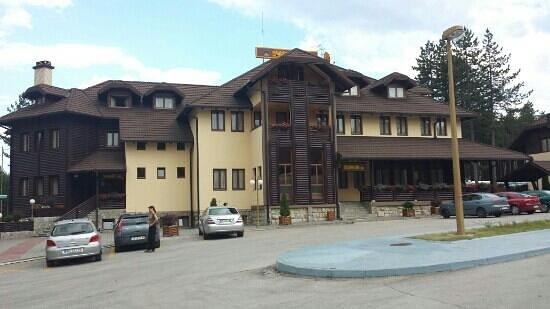Hotel Zlatiborska Noc: vue de l' hôtel