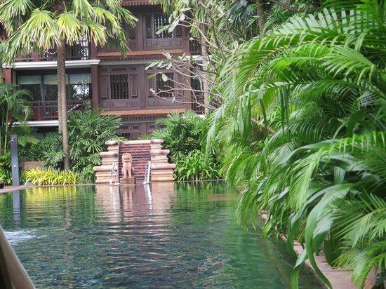 Belmond La Résidence d'Angkor : Dschungelpool