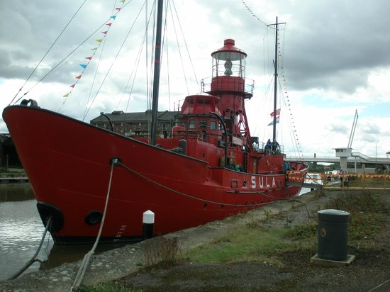 Gloucester Docks : Sula Lightship (permanently mored up in the Docks)