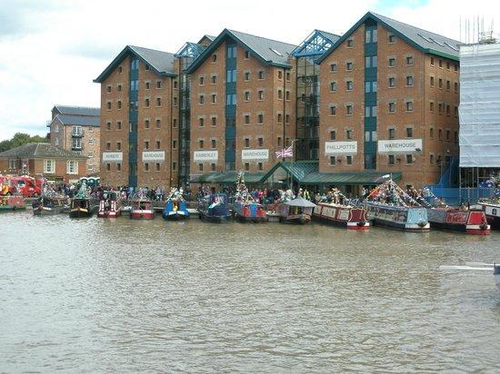 Gloucester Docks : Main Baisin of the Docks