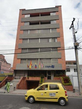 Hotel Confort 80: Fachada