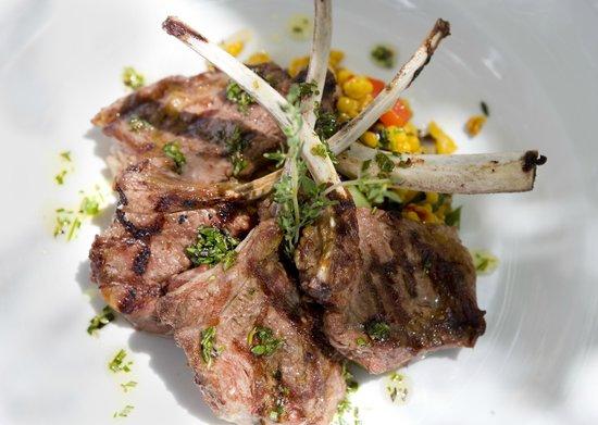 Harmony Hall Italian Restaurant: rack of lamb