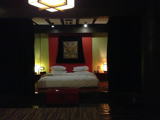 Banyan Tree Ringha : View of Master bedroom