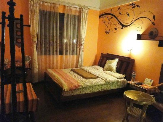Maple Leaf Inn: Standard Zimmer B12