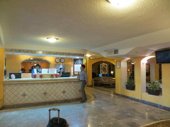 Hotel Suites Kino: Lobby.