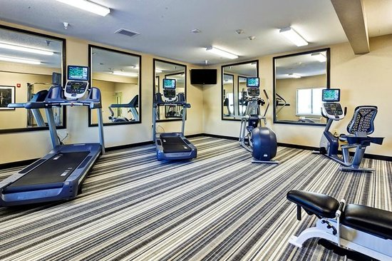 Candlewood Suites Manhattan : 24 hour Fitness Center
