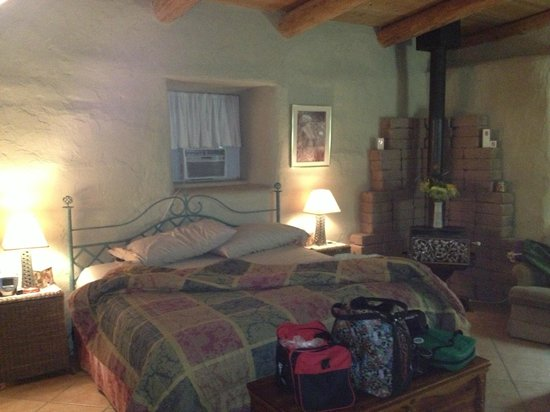 D and D's Organic Haven: Master Bedroom Suite