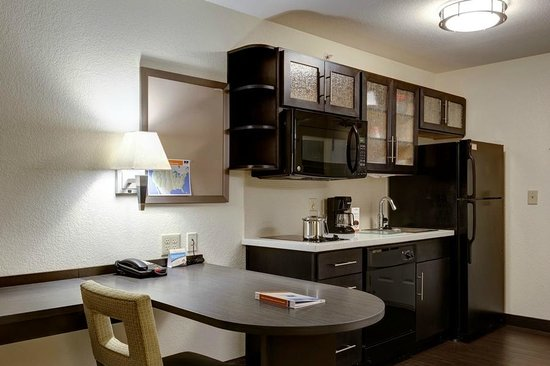 Candlewood Suites Manhattan : Full Kitchenettes