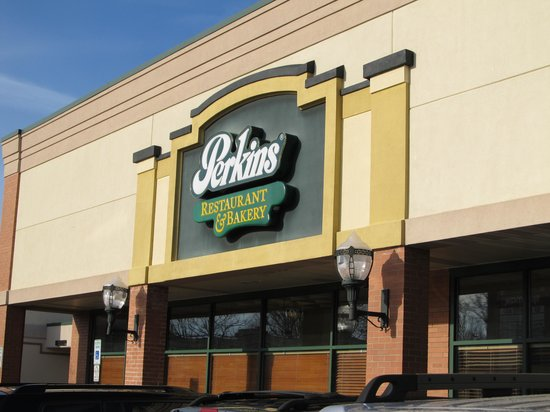 Perkins Family Restaurant and Bakery: Located in a strip mall